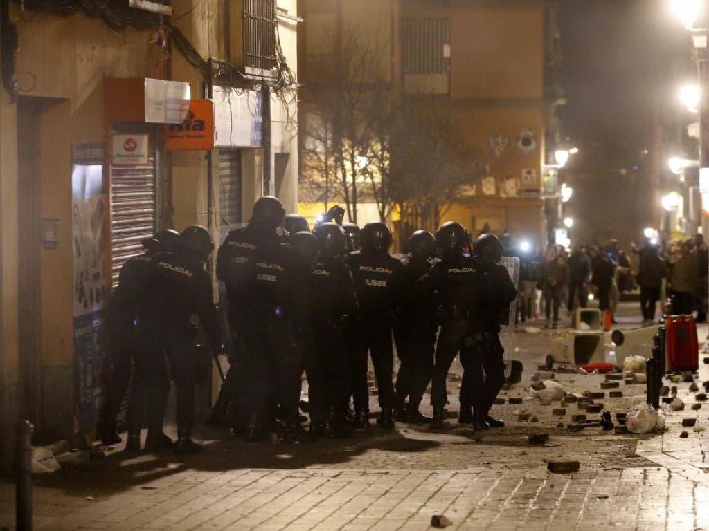 Seis detenidos y 10 policías heridos en los disturbios de Lavapiés