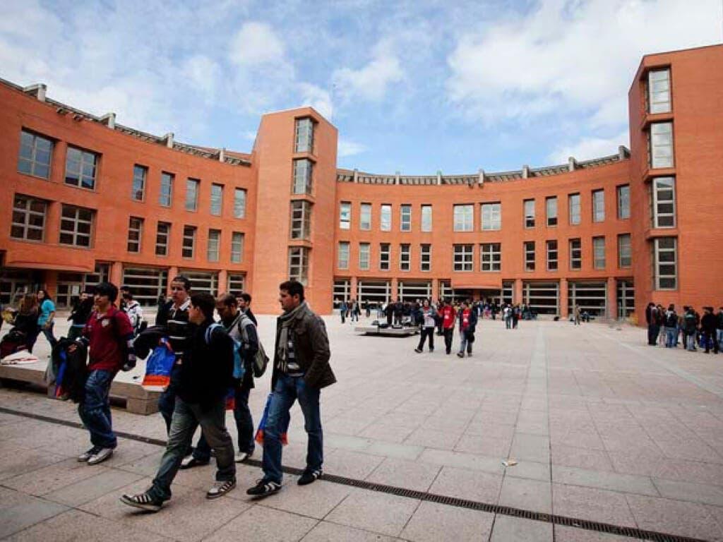 La Universidad de Alcalá celebra una feria de empleo para ingenieros