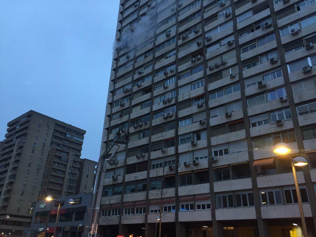 Desalojadas más de 150 viviendas tras un aparatoso incendio en Madrid
