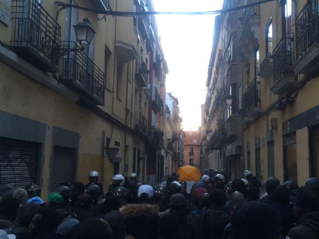 Muere un mantero de un infarto tras huir de la Policía en Madrid