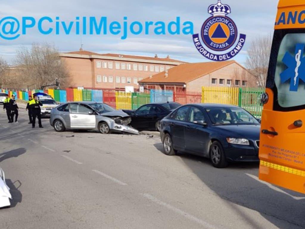 Aparatoso accidente de tráfico en Mejorada del Campo