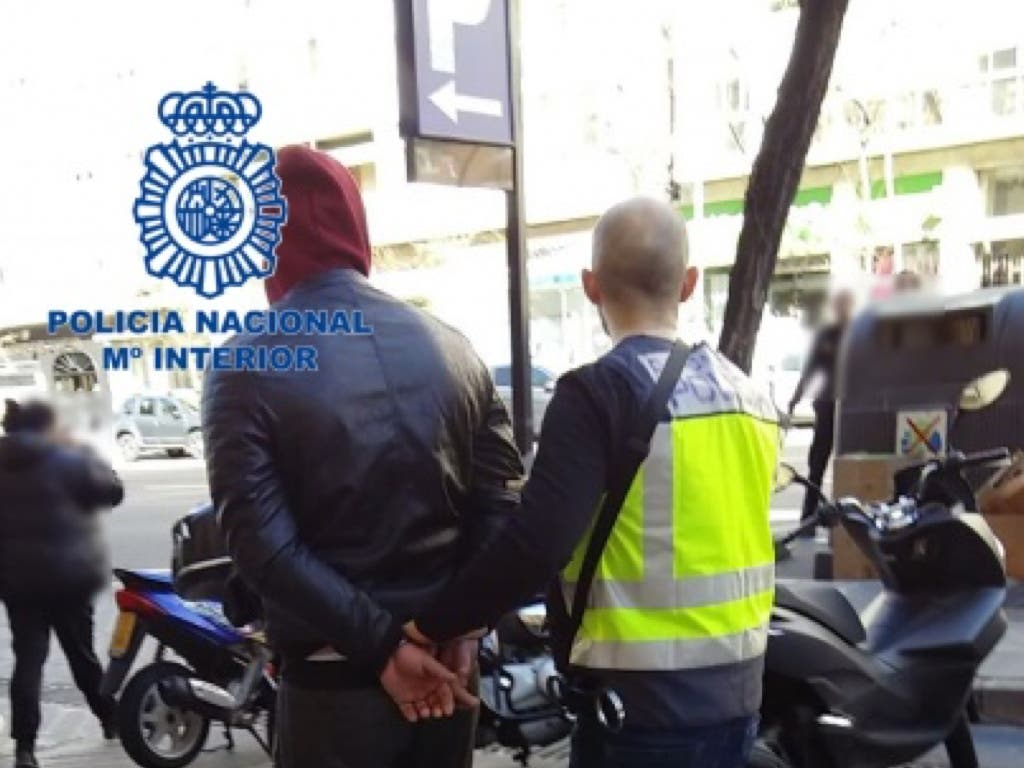 Golpe policial contra la prostitución en la calle Montera de Madrid