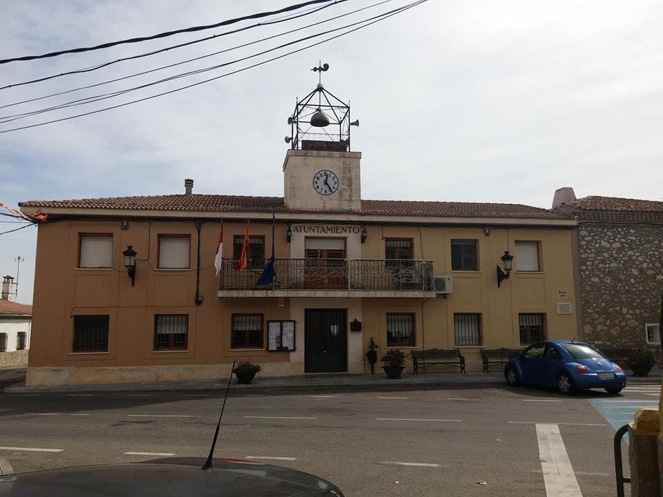 Un pueblo de Guadalajara quiere declarar non gratos a La Manada y al juez que pidió su absolución