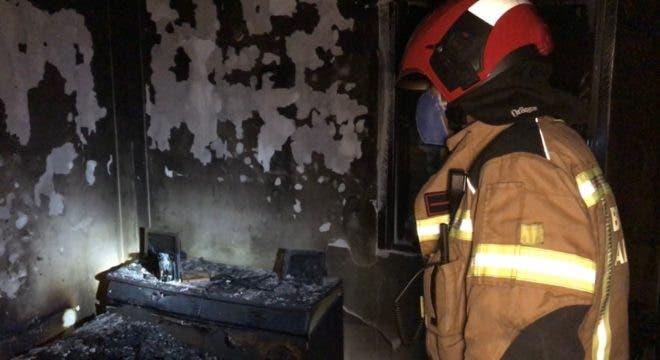 Muere un anciano y su mujer resulta herida muy grave en un incendio