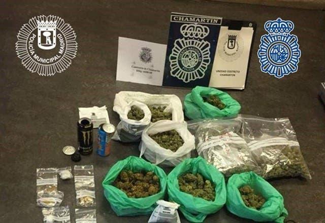 Tres detenidos y 1,5 kilos de hachís y marihuana requisados en un club de fumadores