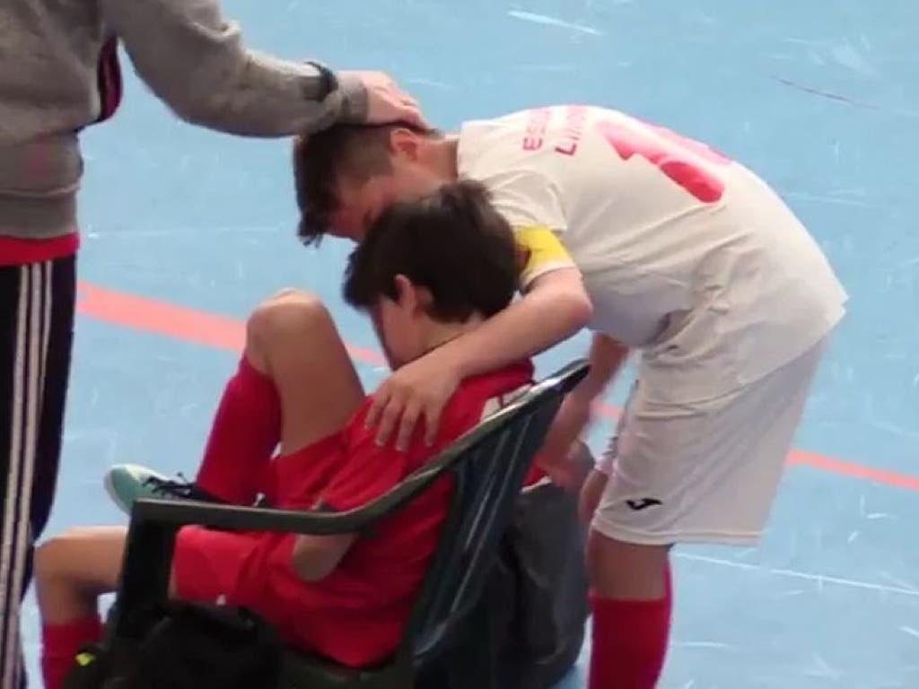 La aplaudida lección de un alevín de Torrejón tras una falta a su rival