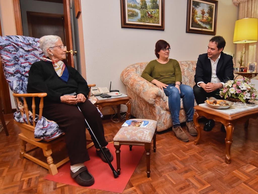 Torrejón ofrece compañía a las personas mayores que vivan solas