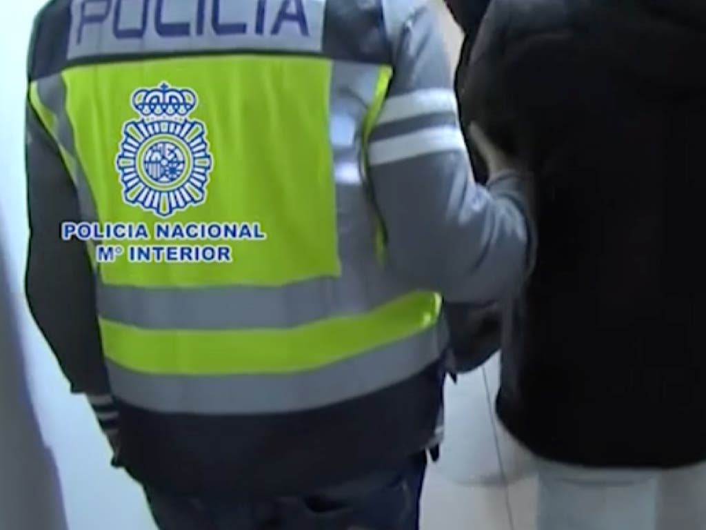Varios detenidos en Madrid de una red que suplantaba identidades en los exámenes de conducir