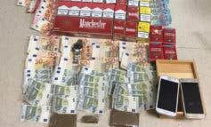 Recuperan un reloj robado en Coslada hace 3 años en un quiosco de chucherías donde se vendía droga