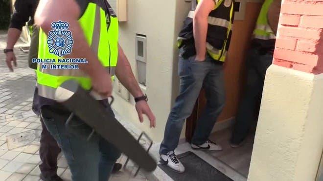 Cae una red que vendía tarjetas de residencia falsas en Coslada