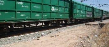Tres muertos al arrollar un tren de mercancías a un coche en Fontanar