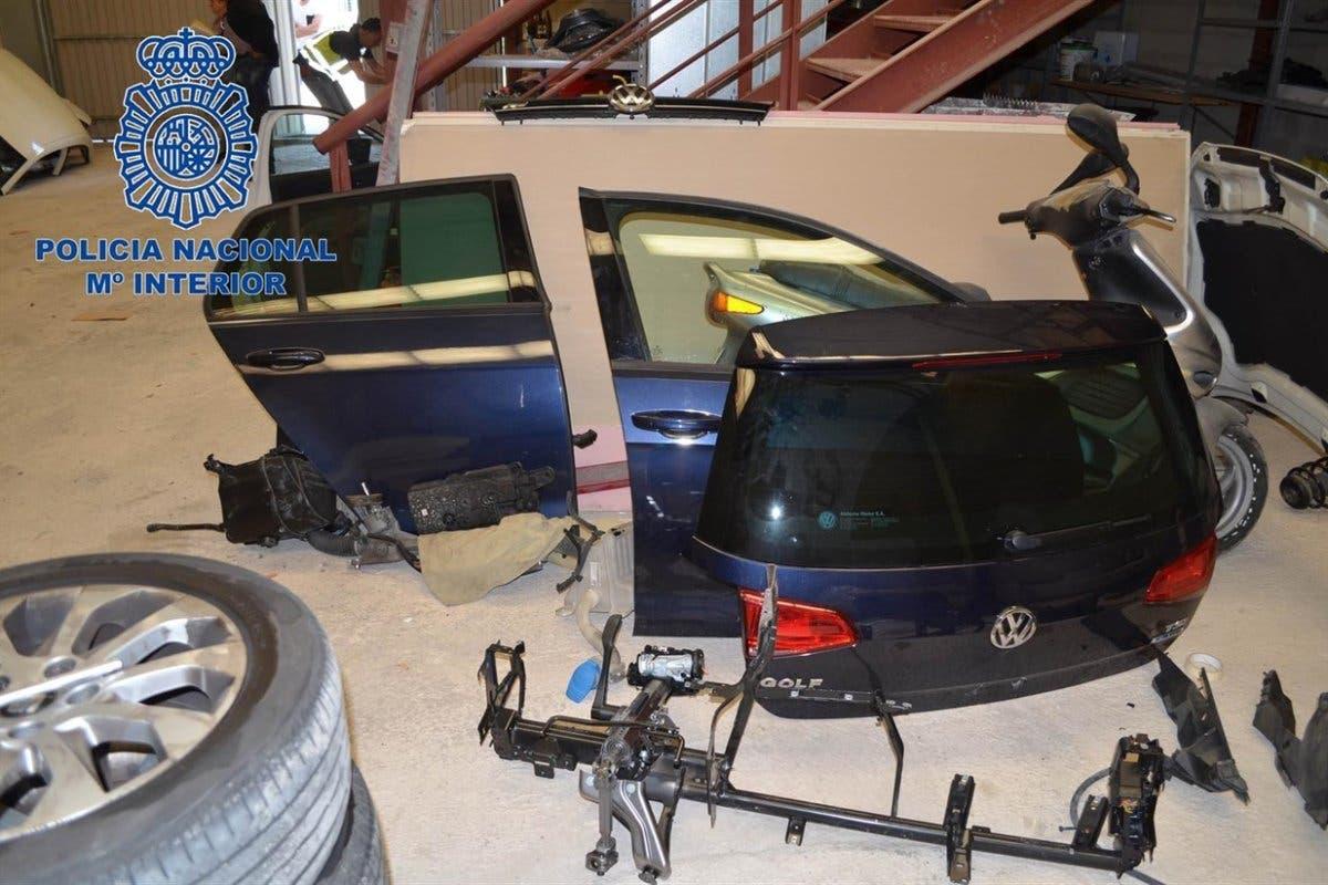 Cae una red que despiezaba en Alcalá de Henares los coches que robaba