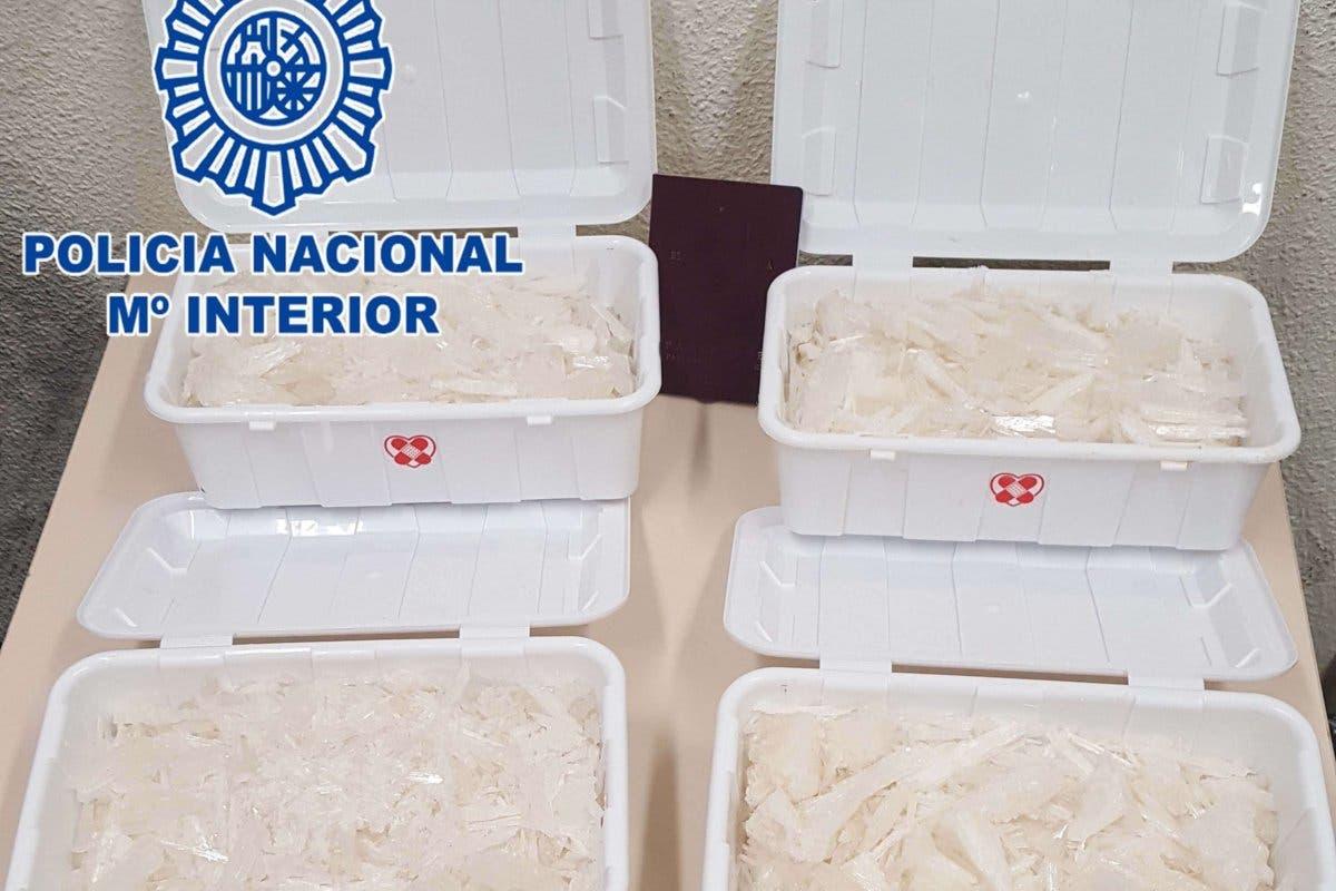 Detenido en Méndez Álvaro con más de 4 kilos de metanfetamina en la maleta