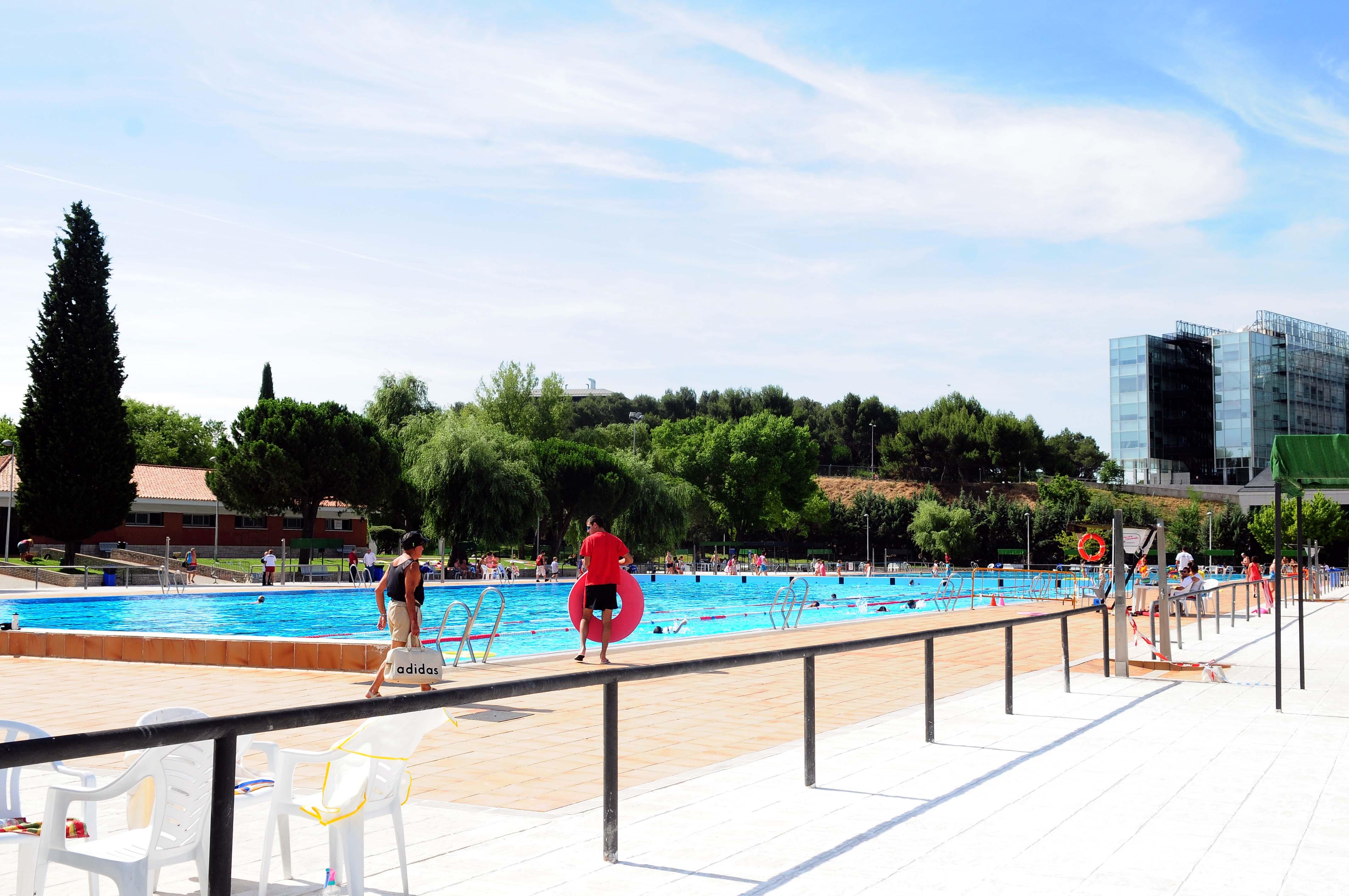 El s bado abren las piscinas municipales de madrid for Las mejores piscinas municipales de madrid