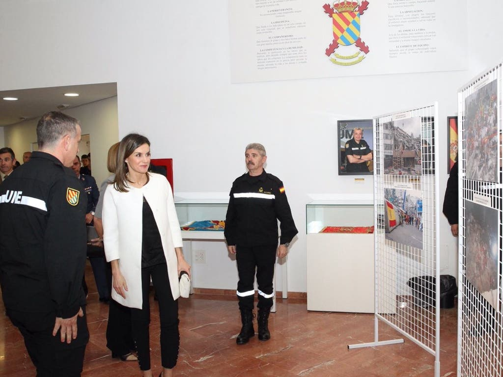 La visita de la reina Letizia a Torrejón, en imágenes
