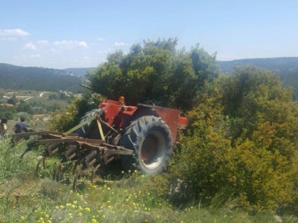 Herido grave un hombre de 71 años al caer de su tractor en Cobeña