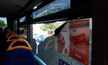 Disparan contra un autobús interurbano en plena huelga