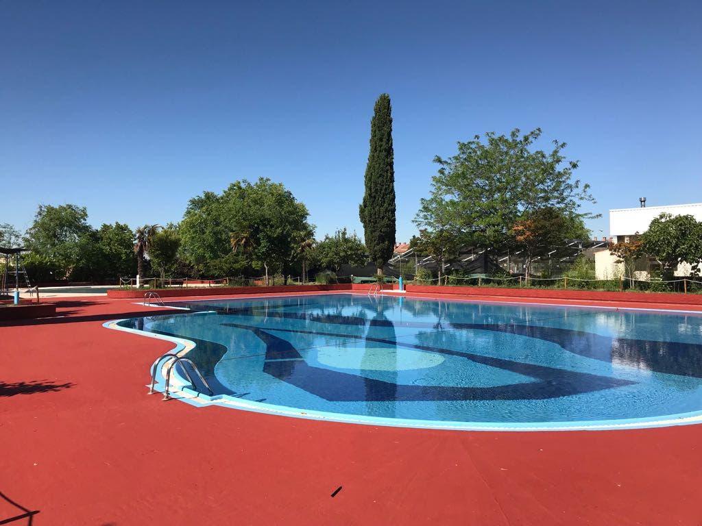 Coslada y san fernando abren este s bado sus piscinas de verano miracorredor - Piscina san fernando de henares ...