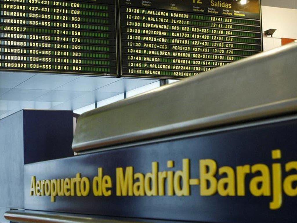 Detenido un vecino de Torrejón de Ardoz por el hurto de móviles en Barajas