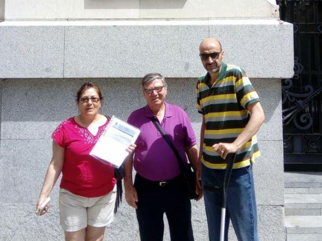 Afectados por la venta del IVIMA piden a los ayuntamientos que paren los desahucios