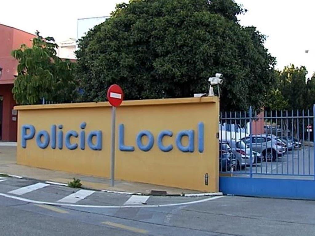 Una joven madrileña denuncia haber sido violada por dos policías locales en Estepona