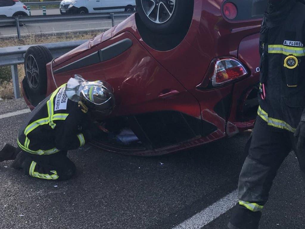 Dos heridos en un aparatoso accidente en la M-40