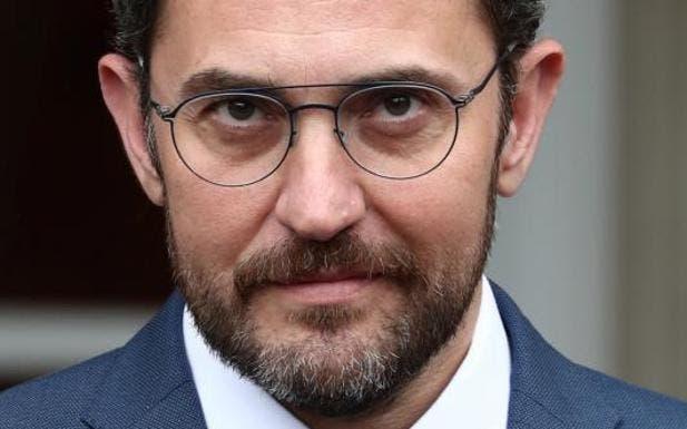 Dimite Màxim Huerta por haber defraudado a Hacienda