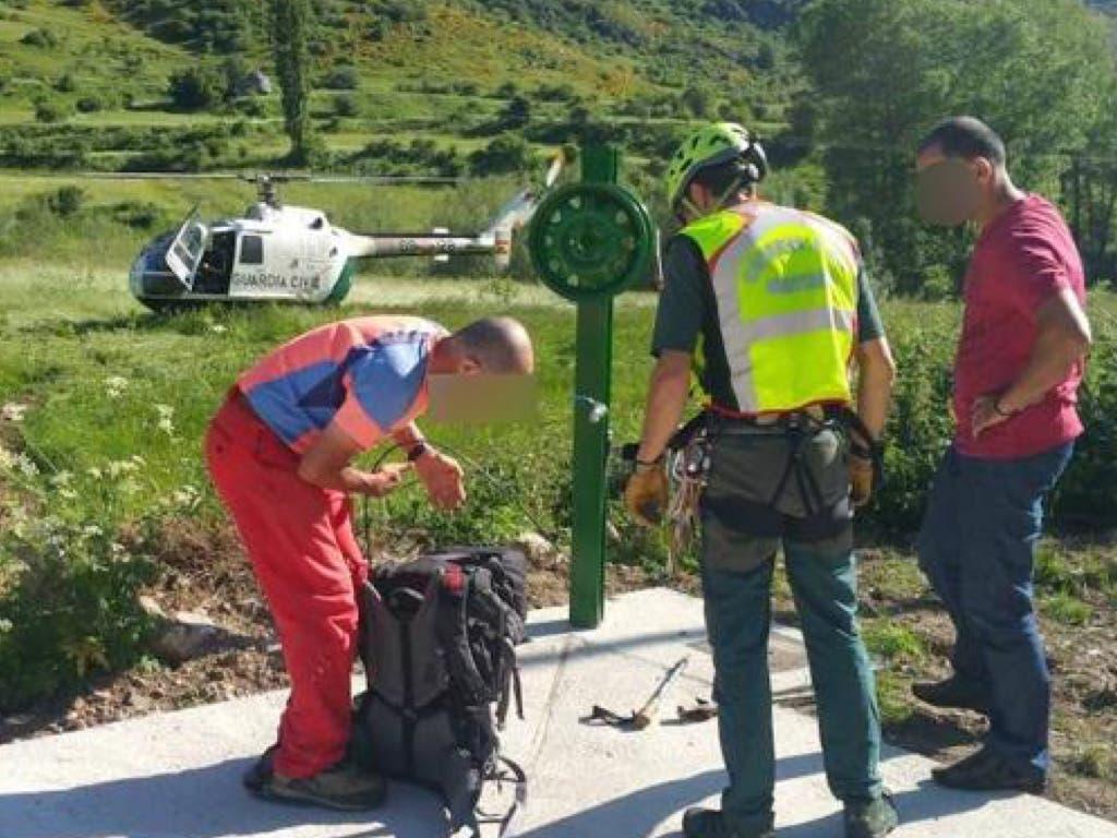 Rescatan a un vecino de Torrejón que quedó atrapado en una montaña