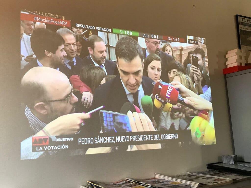 Los alcaldes socialistas del Henares celebran la victoria de Sánchez