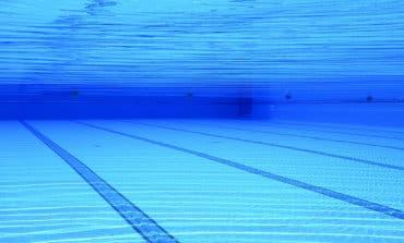 Un socorrista salva de morir ahogado a un niño de 6 años en Vicálvaro