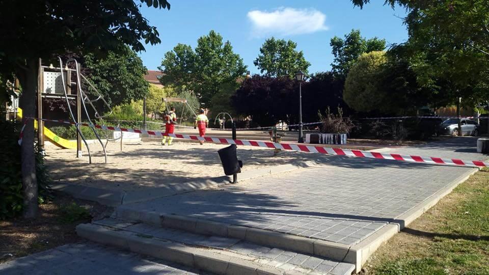 Buscan a los autores de esta gamberrada en un parque de Daganzo