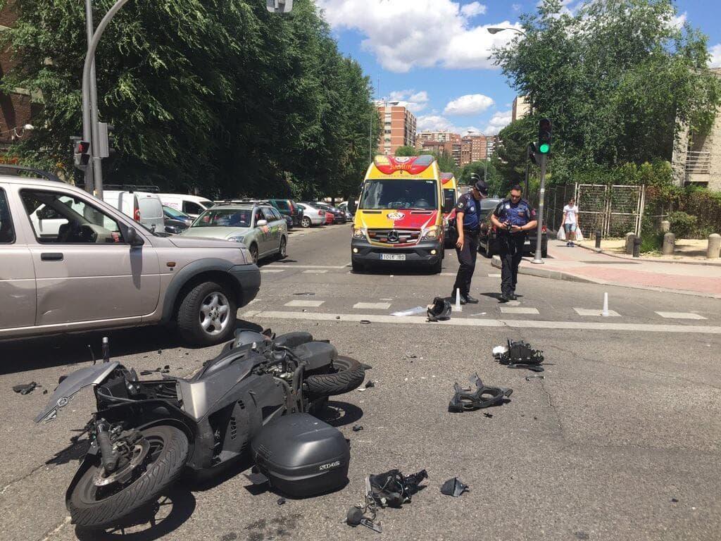 Un motorista muy grave y otro grave en dos accidentes en Madrid