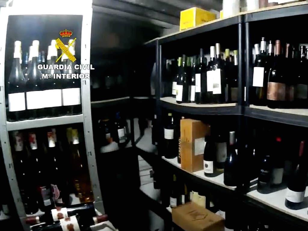 Cuatro detenidos por vender vino de 19 euros a 1.900 euros la botella