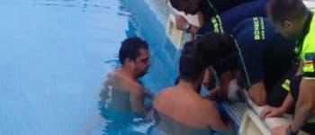 Rescatan a un niño en Guadalajara con el brazo atrapado en el tubo de succión de una piscina
