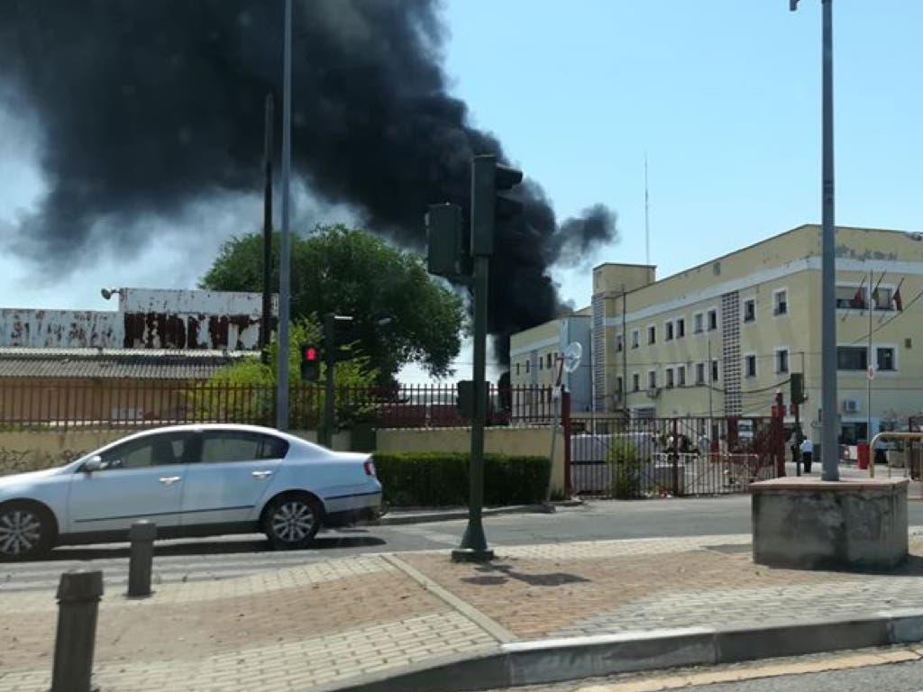 Los Bomberos sofocan un aparatoso incendio en Alcalá de Henares
