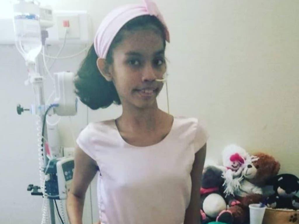 El Hospital La Paz salva la vida a una niña con un tumor gigante en la espalda