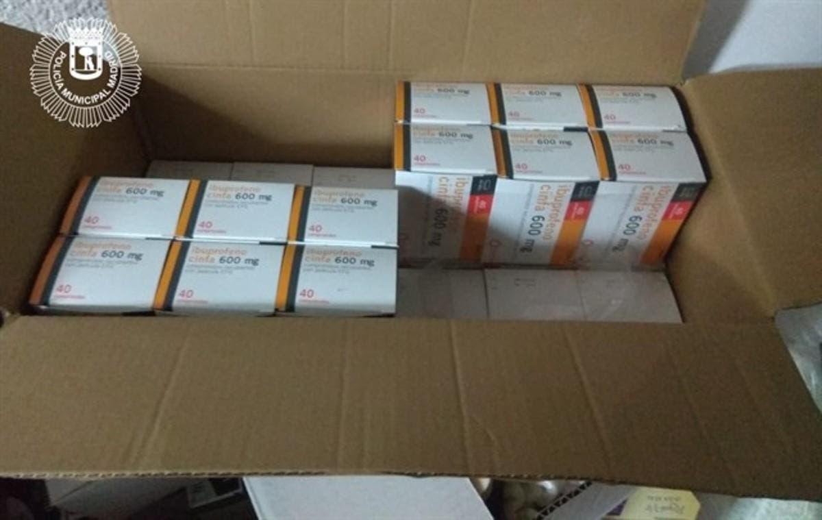 Intervenidos más de 2.800 medicamentos de farmacia y caducados en un herbolario