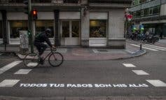 Carmena llenará de versos los pasos de peatones de Madrid