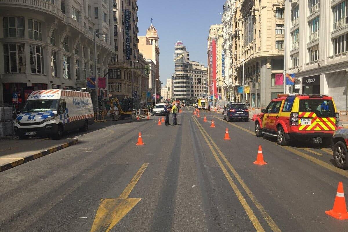 Cortada la Gran Vía de Madrid por un escape de gas