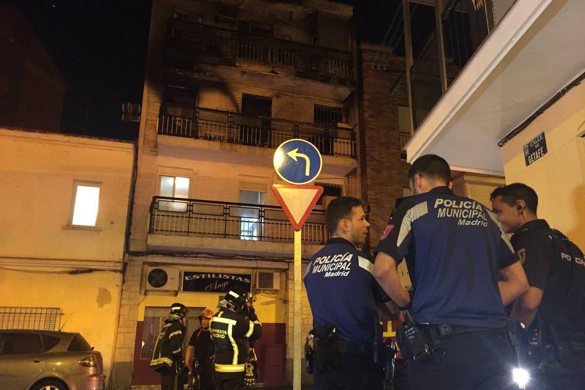 Dos heridos graves al tirarse por una ventana para huir de un incendio