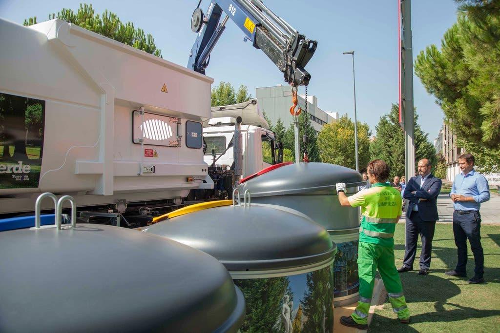 Torrejón estrena nuevos contenedores soterrados en Soto del Henares