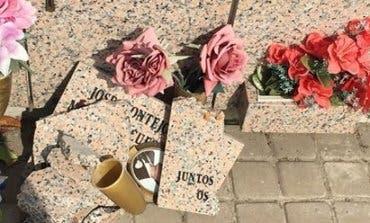 Denuncian el estado de «abandono» del cementerio de San Fernando de Henares