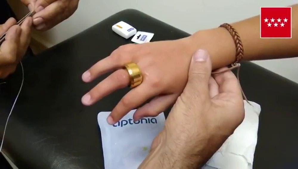Los Bomberos intervienen en un colegio para extraer un anillo a un niño