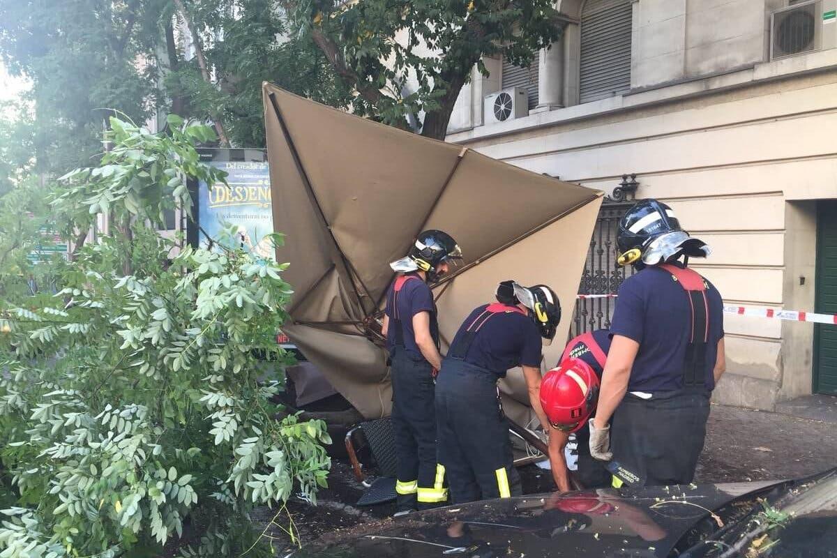 Un conductor ebrio arrasa la terraza de un bar en Madrid causando tres heridos