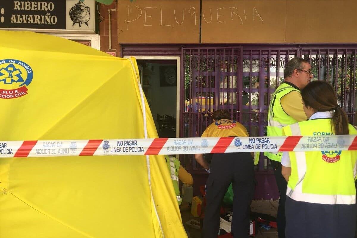 Un hombre mata a su expareja a puñaladas en una peluquería de Madrid