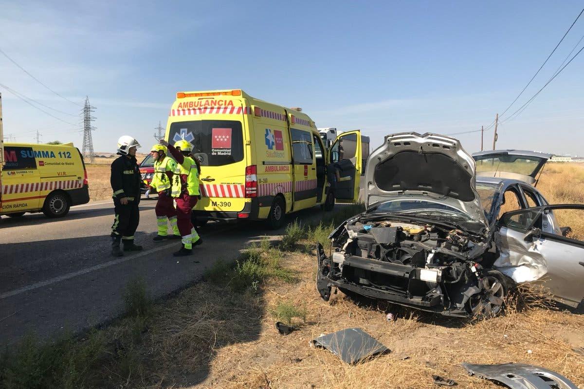 Herido el conductor de un turismo al chocar frontalmente contra un camión