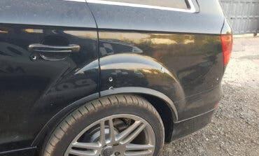 Localizan en la Cañada Real un vehículo con 9 impactos de bala, droga y dinero