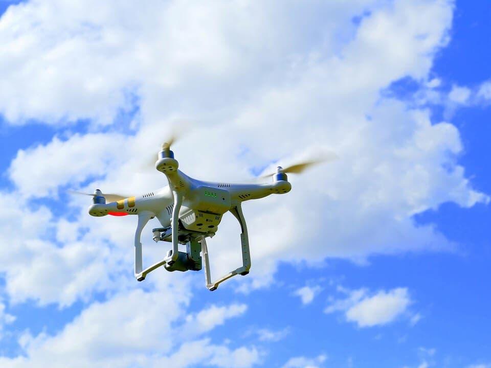 Decenas de drones sobrevuelan Madrid de forma ilegal