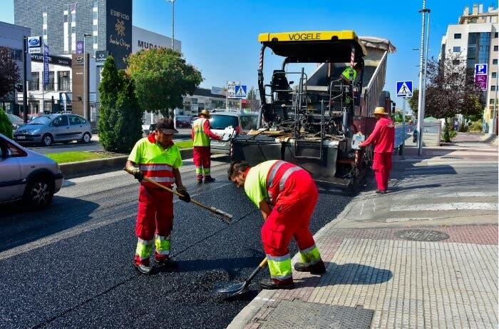 La operación asfalto de Torrejón llega a la Avenida de la Constitución