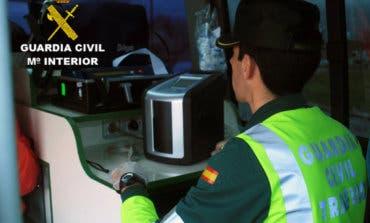 Investigan a un camionero por sextuplicar la tasa de alcohol tras volcar en la A-2